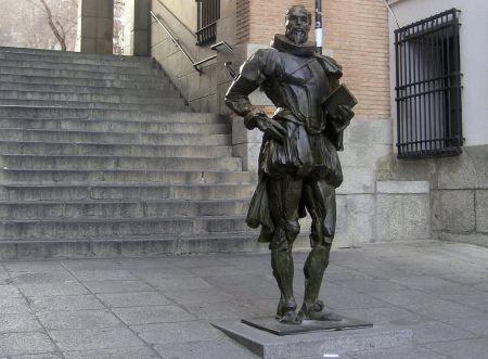 Estatua Miguel de Cervantes