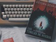 Reseña «Los Túneles de Huesos» de Victoria Schwab