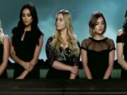 El creador de 'Riverdale', prepara una nueva versión de la exitosa serie juvenil 'Pequeñas mentirosas'