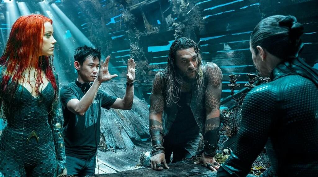 Fotografía del director James Wan en el set de 'Aquaman' con los actores Jason Momoa y Amber Heard