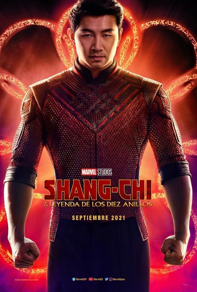 Poster oficial de Shang-Chi y la Leyenda de los Diez Anillos que muestra al actor Simu Liu en primer plano
