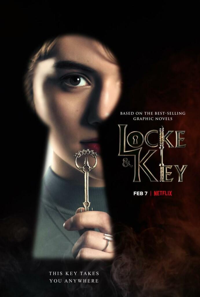 Cartel promocional de la primera temporada de Locke & Key. Se ve la imagen de Kinsey a través de un ojo de una cerradura mientras sostiene una llave.