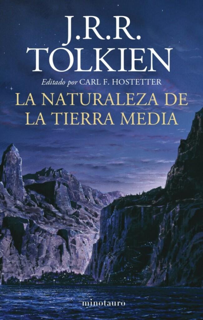 Portada de 'La naturaleza de la Tierra Media' de J.R.R. Tolkien con una ilustración de montañas y cielo nocturno
