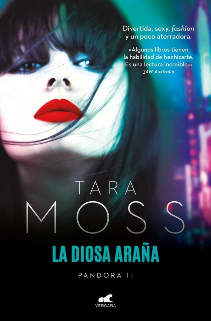 Portada de 'La diosa araña' de Tara Moss que muestra a una mujer pálida en primer plano
